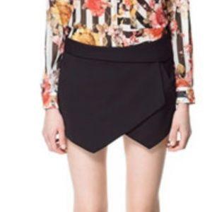 Zara Asymmetrical Black Skort Skirt Shorts